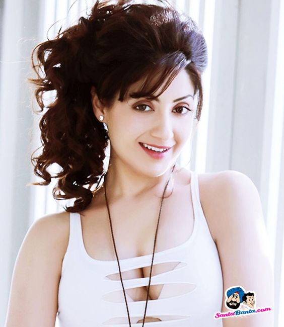 1000 Images About Gagan On Pinterest: Can U Guys View My Cleavage - Gurleen Chopra -