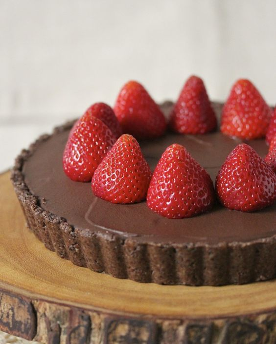 Dark Chocolate Hazelnut Tart with Fresh Strawberries (gf, sf, df ...