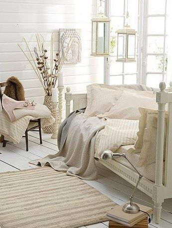 A very comfortable space, makes you want to cuddle up!