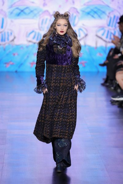 Gigi Hadid Photos Photos - Model Gigi Hadid walks the runway for the Anna Sui collection during New York Fashion Week: The Shows at Gallery 1, Skylight Clarkson Sq on February 15, 2017 in New York City. - Anna Sui - Runway - February 2017 - New York Fashion Week: The Shows