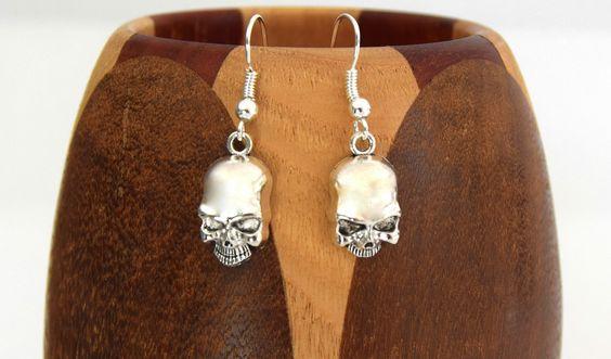 Boucles d'oreilles crâne argent vieilli, clips tête de mort argent vieilli…