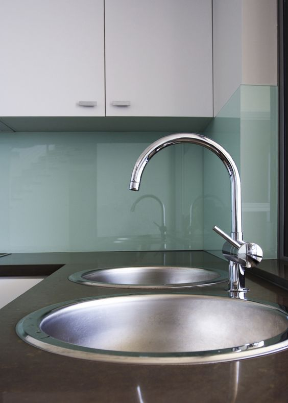 glass backsplash no grout use starfire glass to eliminate green