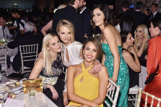 Pin for Later: Jessica Alba hatte geladen und die Stars kamen in Scharen Jessica Alba, Reese Witherspoon, Jenna Dewan Tatum und Kelly Sawyer Patricof