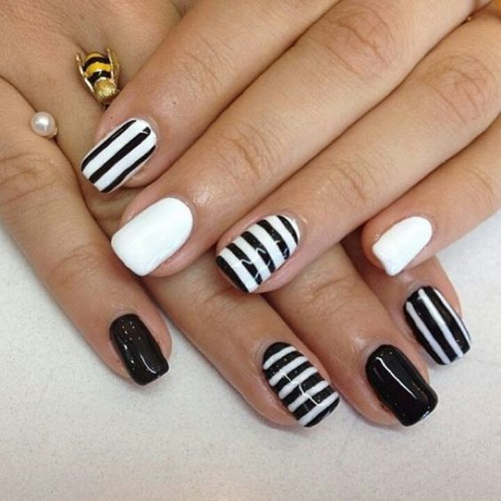 Nails black and white #nails #uñas #decoración uñas #diseño uñas: