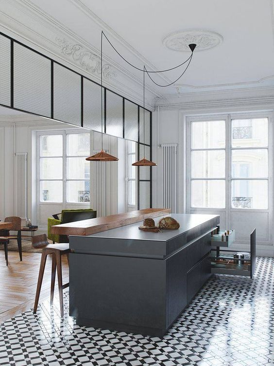 #tendance forte : les carreaux de ciment dans un #intérieur haussmannien & contemporain ! www.mode-and-deco.com