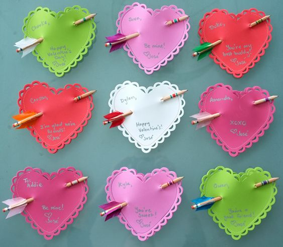 Arrow Pencil & Heart Pocket Valentine {Tutorial}   I'm SOOOO making these for the kiddlets this year!!!
