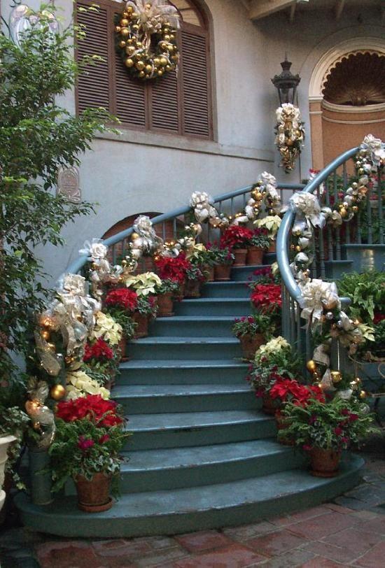 Escaleras navide as escaleras navidad pinterest - Decoracion navidena escaleras ...