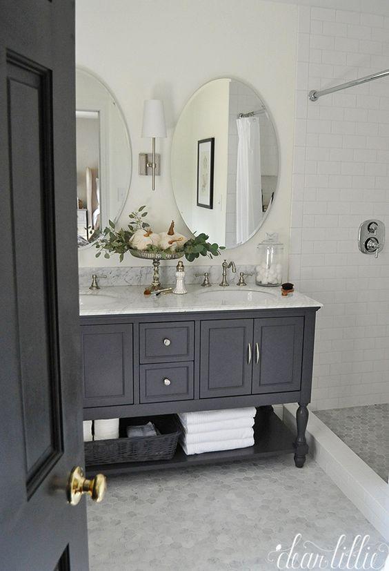 Dos espejos ovalados