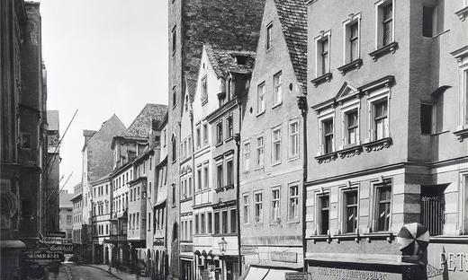 Eine Auswahl Historischer Aufnahmen Von Regensburg Entstanden Zwischen 1865 Und 1945 Die Bilder Waren 2013 In Einer A Regensburg Munchen Kultur Vergangenheit