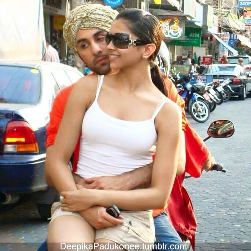 Deepika Padukone And Ranbir Kapoor Hot Romance Gorgeous Bollywood Actress Photo Beautiful Bollywood Actress Bollywood Actress Hot Bollywood Actress Hot Photos