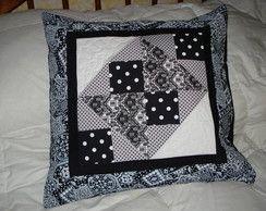 Capa para almofada em patchwork