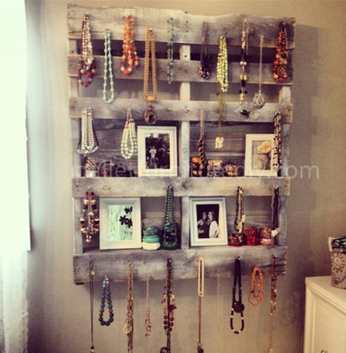 Pallet Jewelry Holder & Shelf #upcycle #pallet: