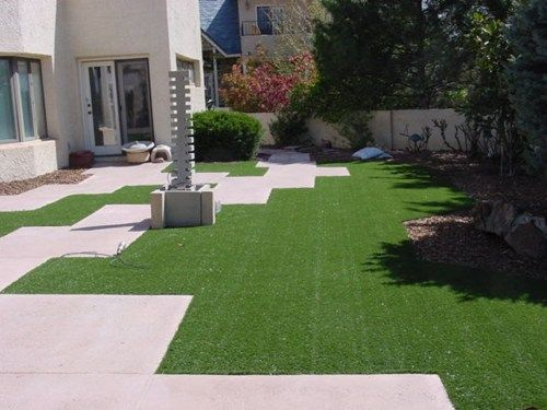 Garden ideas 12 good artificial grass landscaping ideas for Good landscaping ideas