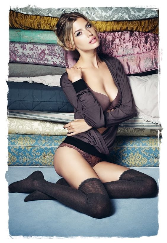 Opaque sock stockings
