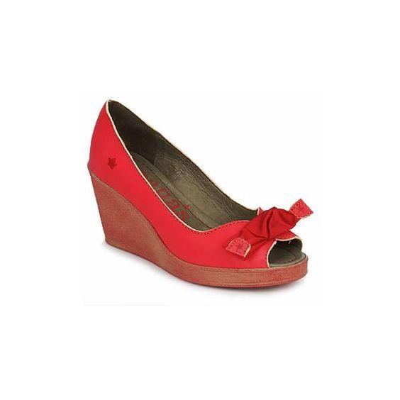 Cubanas footwear