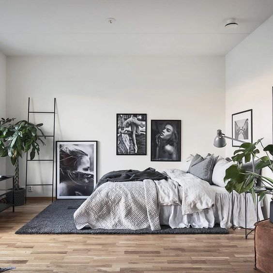 Gorgeous grey and wood bedroom #scandinavianhome #bedroomdecor #grey #scandinavianbedroom