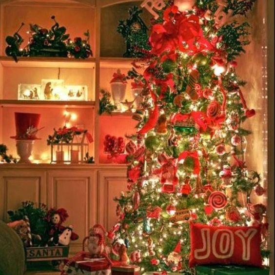 Pre Lit Christmas Trees On Sale http://www.buynowsignal.com/artificial-christmas-tree/pre-lit-christmas-trees-on-sale/