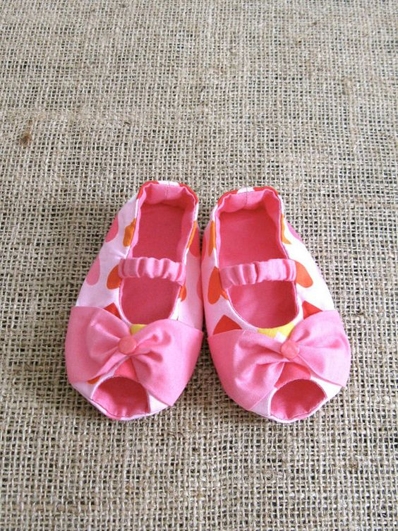 Bowie Baby Shoes PDF Pattern Newborn to 18 by littleshoespattern