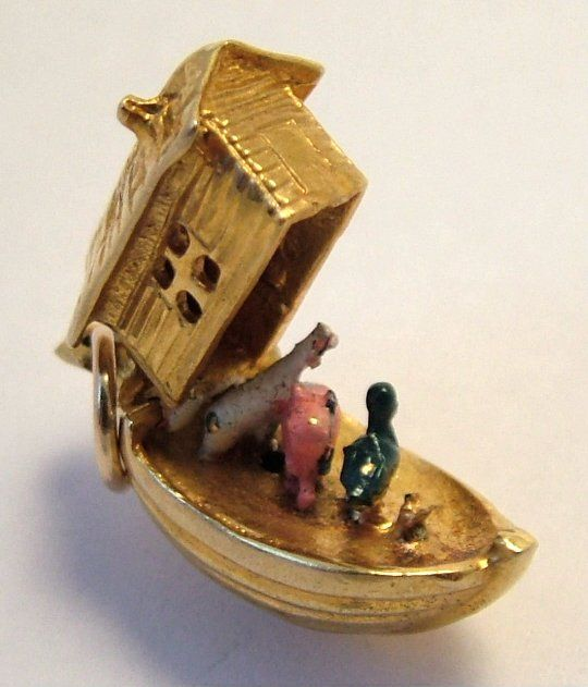 1950's 9ct gold Noah's Ark charm with painted animals inside.:
