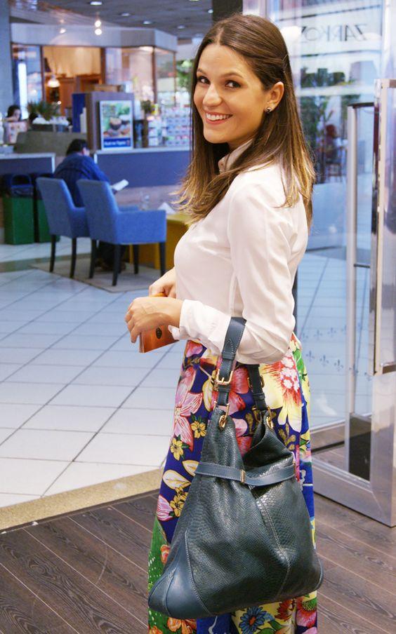 Camisa Dudalina + saia floral