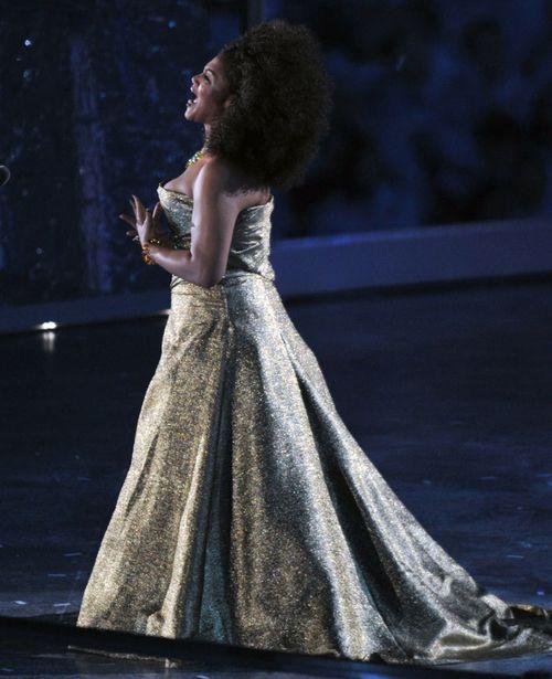 Measha Brueggergosman - Canadian Soprano STAR sings at 2010 Winter Olympics