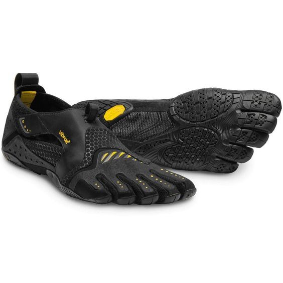 The signature FiveFingers water sport shoe, the signa is ultra – thin, flexible and lightweight. An ideal shoe for rowers, surfers, kayakers and SUP fanatics, the Signa provides grip and comfort out o