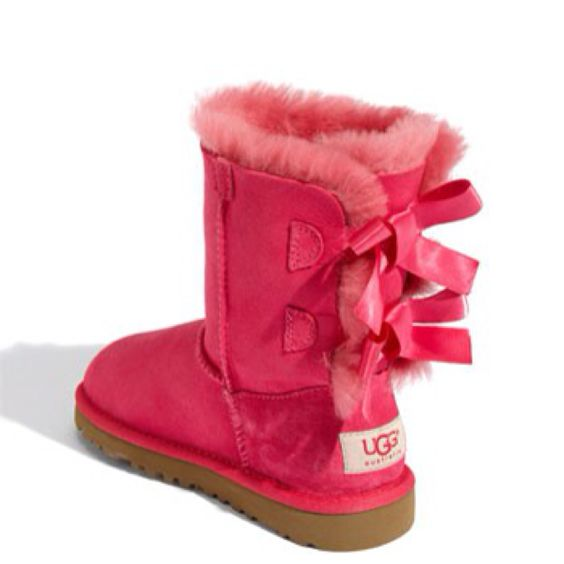 baby pink bailey bow uggs size 6. Black Bedroom Furniture Sets. Home Design Ideas