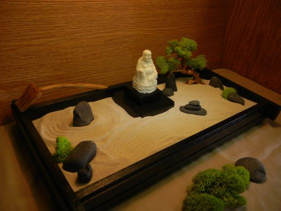 Desk or table top zen garden with buddha and bonsai tree for Table zen garden