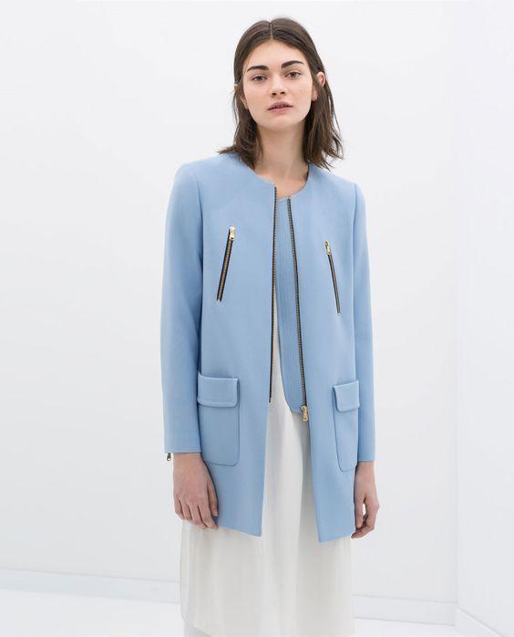 COAT WITH ZIPS a sólo $1,299 pesos, en Zara.