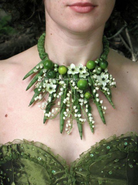 Green white jewelry ~ Floristry Pirjo Koppi - Flower Jewelry