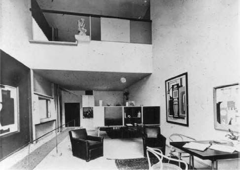 the interior of le corbusier s pavillon de l esprit nouveau for the exposition internationale. Black Bedroom Furniture Sets. Home Design Ideas