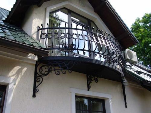 Balconies iron balcony and wrought iron on pinterest for What is a french balcony