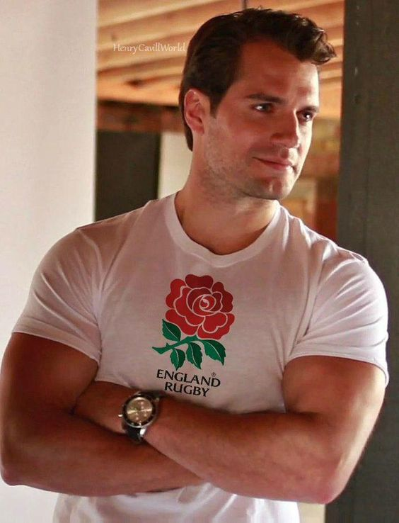 I don't usually have actual celebrity crushes but Henry Cavill is definitely an exception to that rule. BEHOLD HIS BEAUTY and his England shirt. OMG STOP.