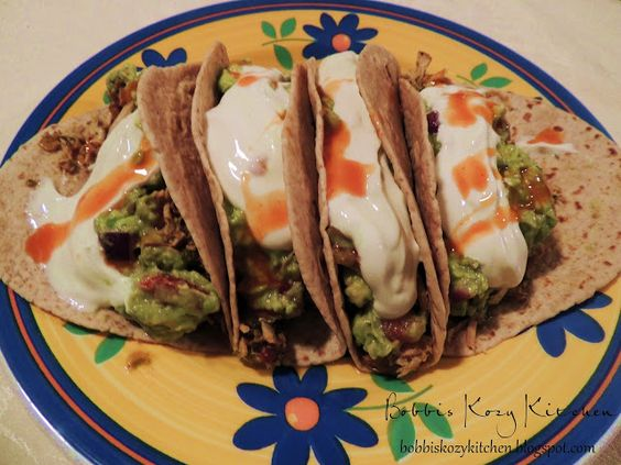 Bobbi's Kozy Kitchen: Slow Cooker Chicken Tacos