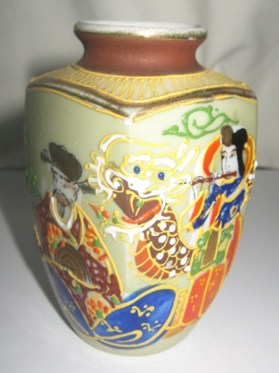 Japanese Porcelain Miniature Satsuma Moriage Vase