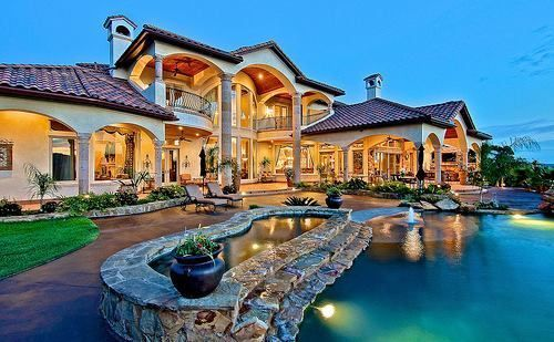 Mansion With Gorgeous Outdoor Living Space Mansions Pools
