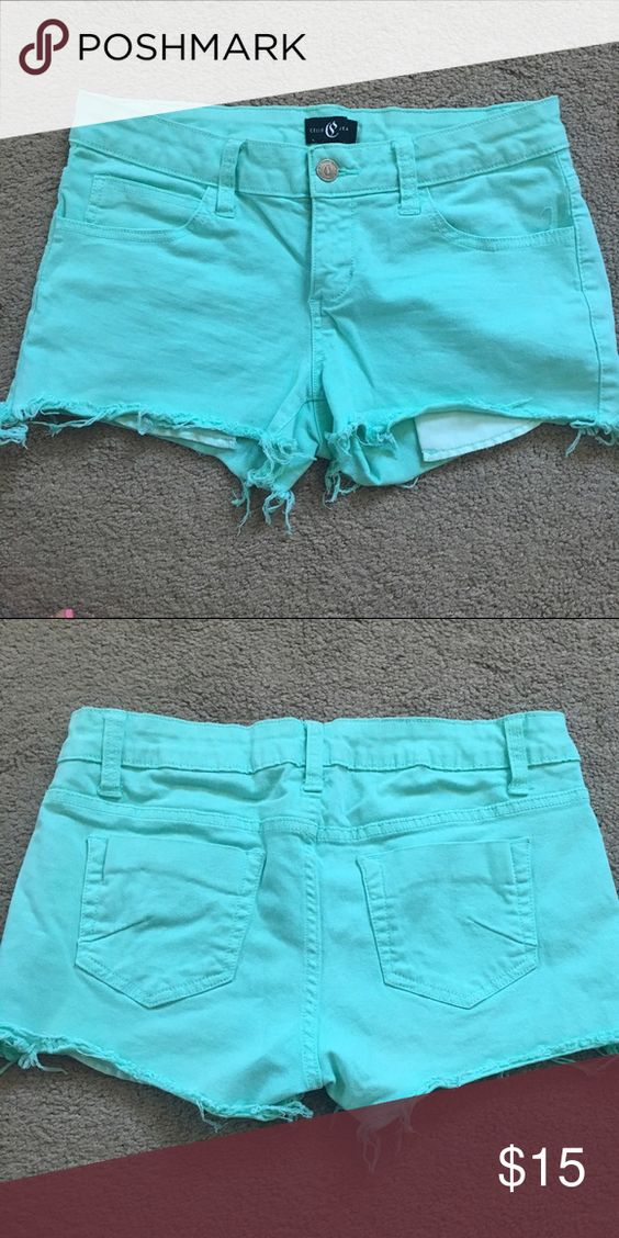 Mint shorts Mint jean shorts. Size medium. Stretchy and very flattering! ❌no trades❌ Shorts Jean Shorts