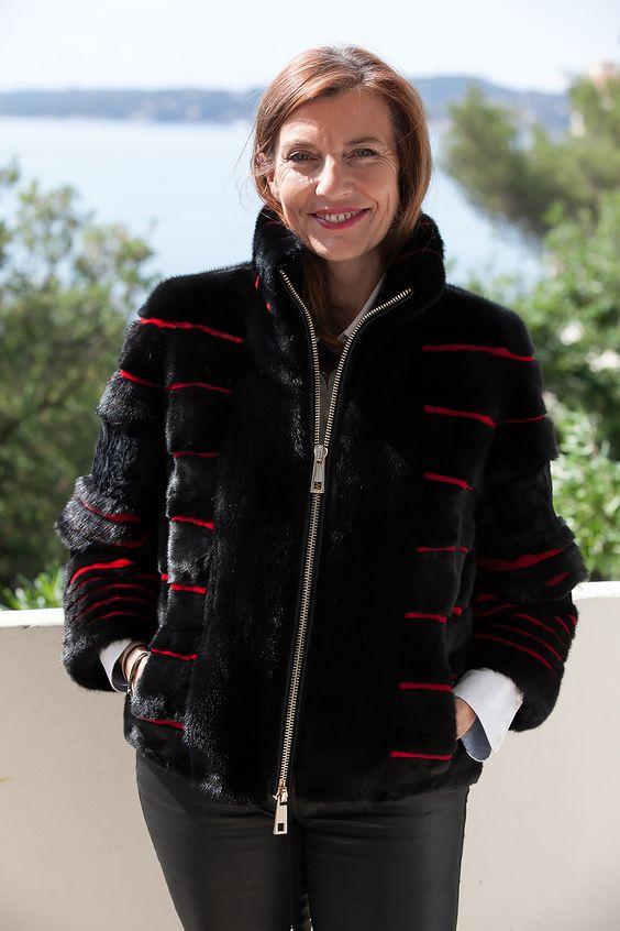 Veste de Vison et Astrakan Noir et Rouge Saga Furs http://www.fourrure-privee.com/fr/fourrures/vestes-gilets/veste-de-vison-astrakan-noir-et-rouge-823