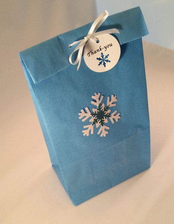 Frozen Favor Bag, Thank You Tag and Ribbon: 10+ Holiday/ Frozen Party Bags, Paper Snowflake Treat Bag, Gift Bag, Thank You