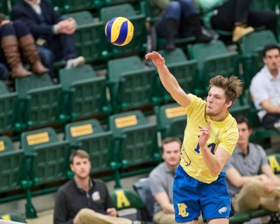 2017 U Sports Fog Men S Volleyball Championship Ubc Needs Four Sets To Take Out Unb Sports Volleyball Mens Volleyball