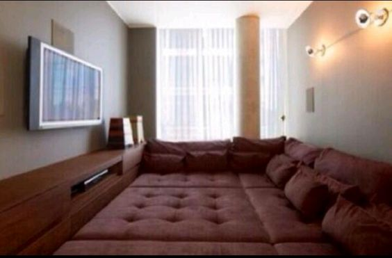 No floors just bed, what a room #bedroom