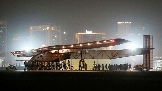 Solar Impulse 2 boucle un tour du monde historique