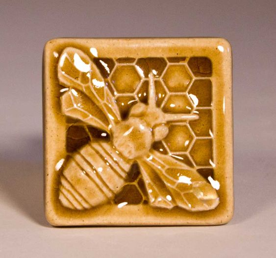 Honey Bee Tile I Can See This As Well As Other S On