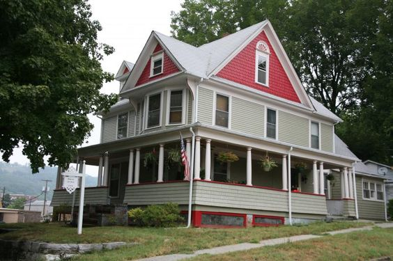 victorian exterior paint color combinations Folk+victorian+house+