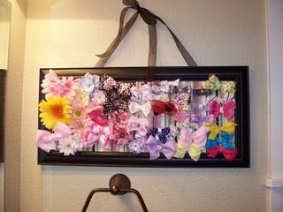 6 Ideas for Hair Bow Holders!  #hairbows #hairbowholder #howdoesshe howdoesshe.com