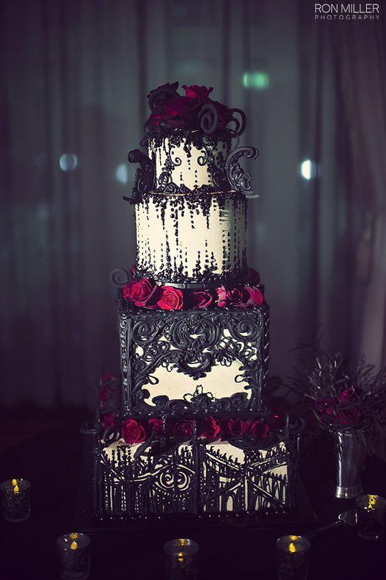 Rot , Weißer , Schwarzer Gothic Hochzeitskuchen :)  Gothic ...