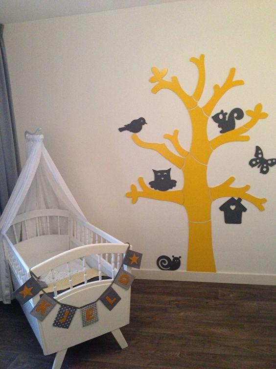 babykamer okergeel grijs met mini naamslinger kjeld | baby, Deco ideeën