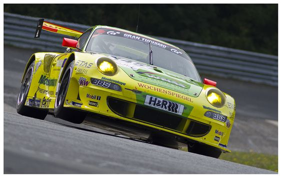 VLN8: Manthey-911 in the carousel of Karsten Denecke