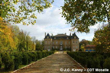 This photo allows one to see the marvelous Chateau in full view all the way done the wide lane that leads up to it.