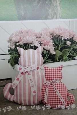 diy fabric crafts cats